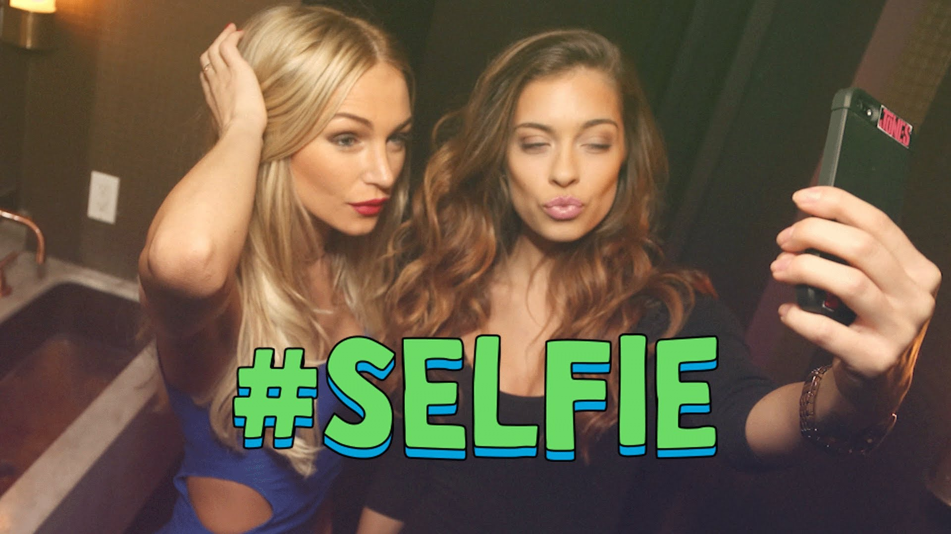 #SELFIE – The Chainsmokers